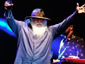 Alagoano Hermeto Pascoal recebe Grammy Latino pelo álbum 'No Mundo dos Sons