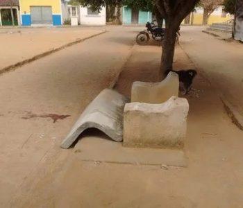 Banco de praça desmonta e criança morre esmagada em Igaci
