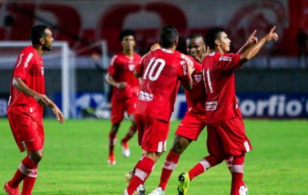 CRB vence o Coritiba no Rei Pelé e pula para a 6ª posição na tabela: 1 a 0