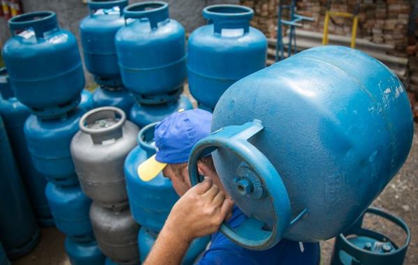 Gás de cozinha fica 5% mais caro a partir desta terça-feira (22)