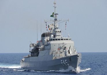 Navio de guerra chega a Maceió e abre visitação neste fim de semana