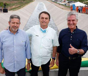 Bolsonaro inaugura IV trecho do Canal do Sertão, em Alagoas