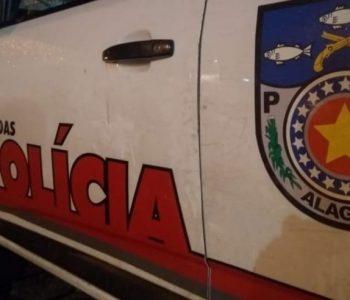 Adolescentes invadem escola e ameaçam diretora com faca em Arapiraca