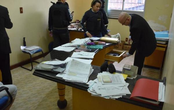 Auditor fiscal e mais 9 são presos em operação contra sonegação de impostos