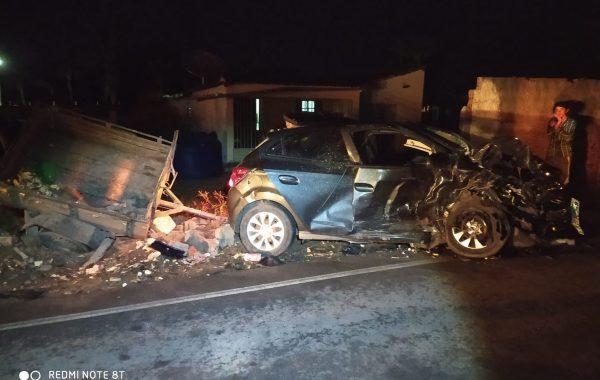 Acidente entre dois carros deixa quatro mortos e feridos em Feira Grande