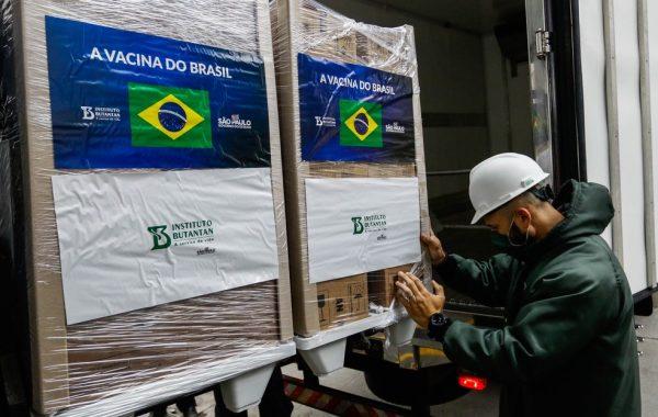 Butantan retoma entregas e libera 800 mil doses da CoronaVac ao Ministério da Saúde após quase um mês